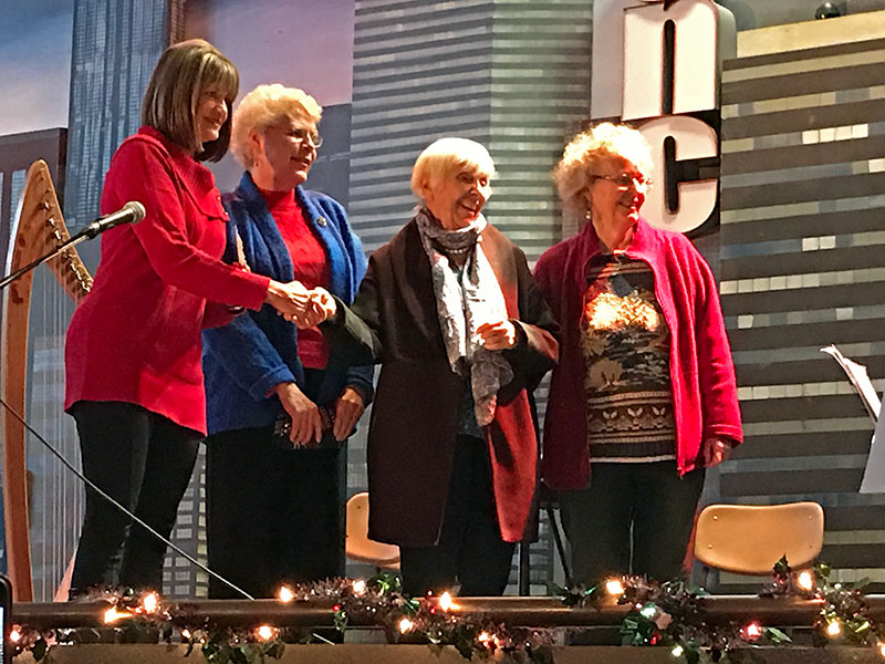 Light Up 2016 - Quilters Guild.